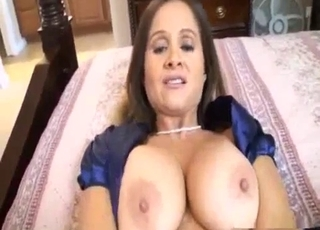 My mommy shows her awesome fuck hole