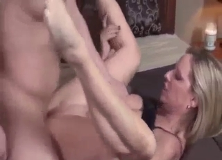 Slutty lady enjoys her first interbreeding